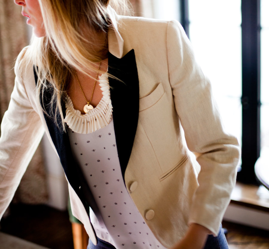 http://omgitotallyheart.files.wordpress.com/2011/01/emersonmade_crop-tuxedo-jacket-2.jpg