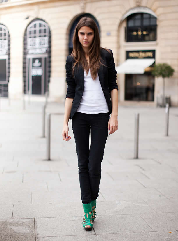 Black Blazer Casual Outfits